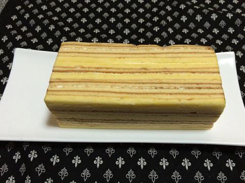 ポム洋菓子店のバウムクーヘン