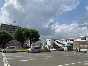 西武新宿線の小平駅(駅前)